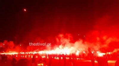Ξέφρενοι πανηγυρισμοί στη Θεσσαλονίκη: Φίλαθλοι του ΠΑΟΚ έκαναν τη νύχτα μέρα
