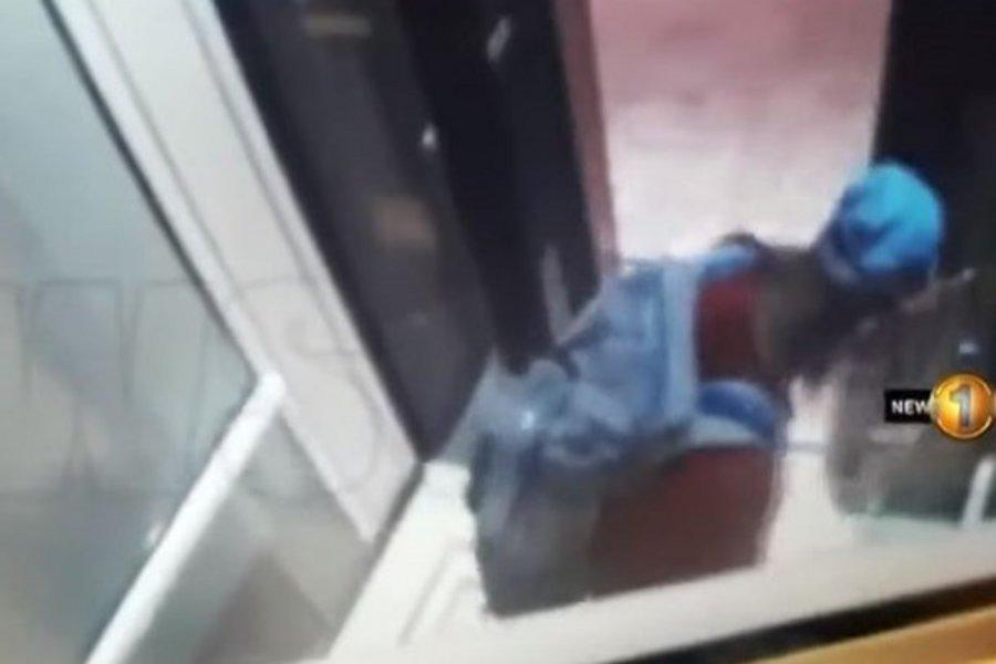 Νέο βίντεο - ντοκουμέντο: Οι βομβιστές μέσα σε ξενοδοχείο της Σρι Λάνκα, λίγα λεπτά πριν ανατιναχθούν