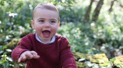 Η Κέιτ και ο Γουίλιαμ μας ξανασυστήνουν τον μικρό Λούι - Ο πρίγκιπας έγινε ενός έτους