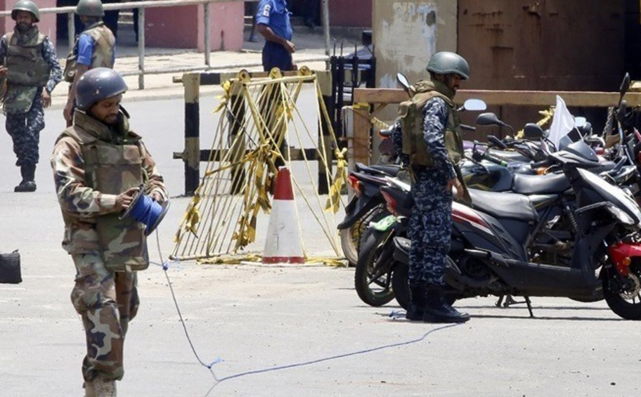 Σρι Λάνκα: 140 άτομα για διασυνδέσεις με το ISIS καταζητούνται μετά το αιματοκύλισμα την Κυριακή του Πάσχα των Καθολικών