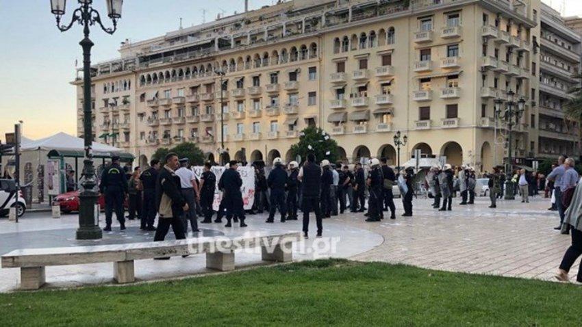 Παρέμβαση με τρικάκια για τον Κουφοντίνα σε ομιλία του Μεϊμαράκη στη Θεσσαλονίκη
