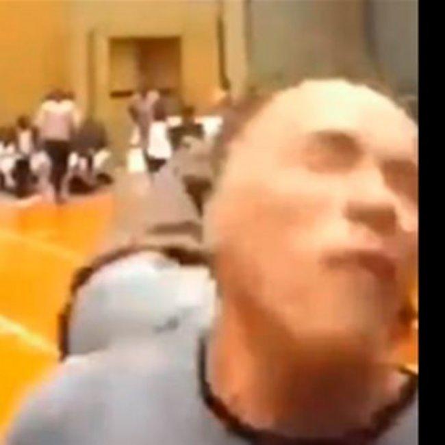 Βίντεο: Η στιγμή που ο Άρνoλντ Σβαρτσενέγκερ δέχεται επίθεση