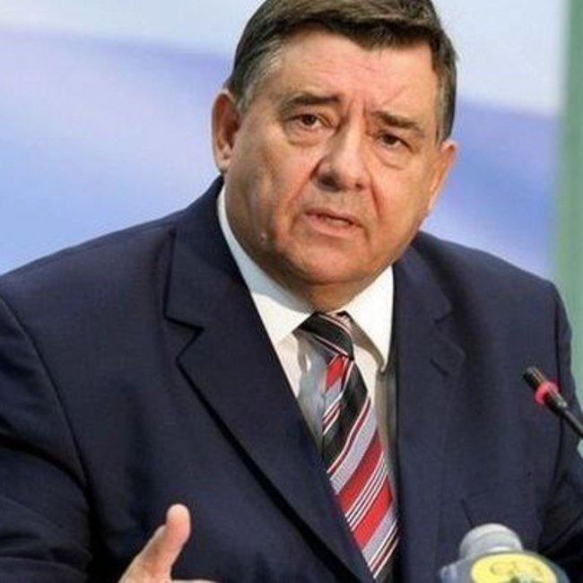 Καρατζαφέρης στον realfm 97,8: Παρά τις φιλότιμες προσπάθειες του Κυριάκου Μητσοτάκη να χάσει τις εκλογές, θα τις κερδίσει
