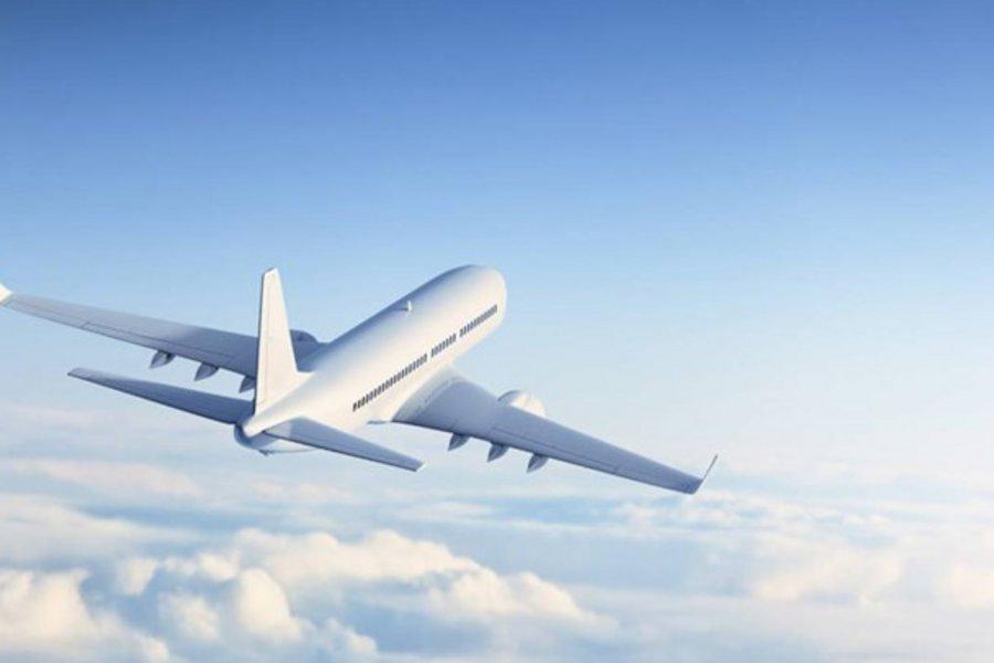 Tρόμος στον αέρα - Οι αναταράξεις εκσφενδόνισαν την αεροσυνοδό στο ταβάνι του αεροσκάφους