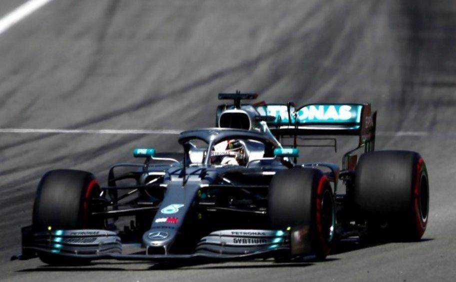 F1: Πιστός στην κορυφή ο Χάμιλτον - Τερμάτισε με σκασμένο λάστιχο - ΒΙΝΤΕΟ