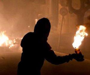 Νύχτα με μολότοφ, πυροβολισμούς, εμπρησμούς και επεισόδια στην Αθήνα