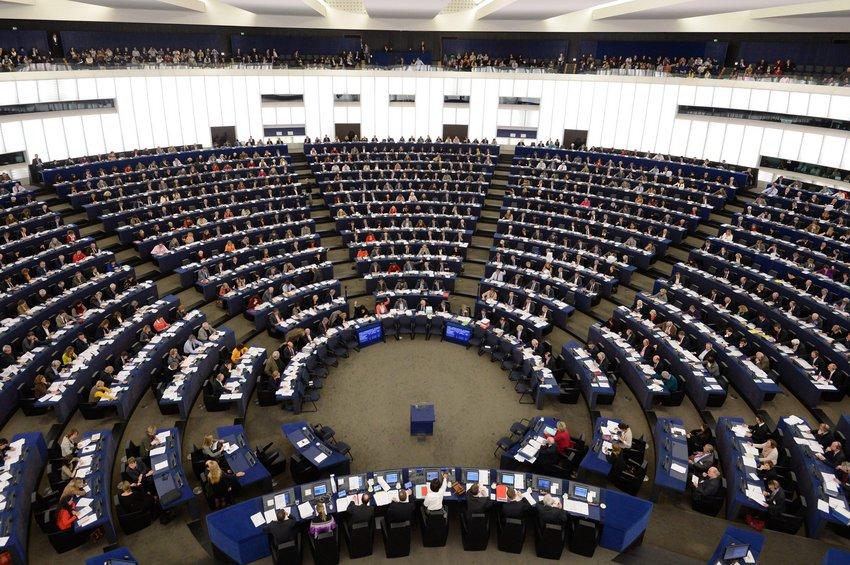 Μεγάλη νίκη των φιλοευρωπαϊκών δυνάμεων στις ευρωεκλογές με άνω του 82% - Οι έδρες