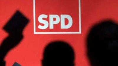 Γερμανία: Υπέρ της παραμονής του στον κυβερνητικό συνασπισμό αποφάσισε το SPD