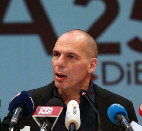 Βαρουφάκης: Δε θέλουμε τη ρήξη με την ΕΕ, αλλά δε τη φοβόμαστε κιόλας