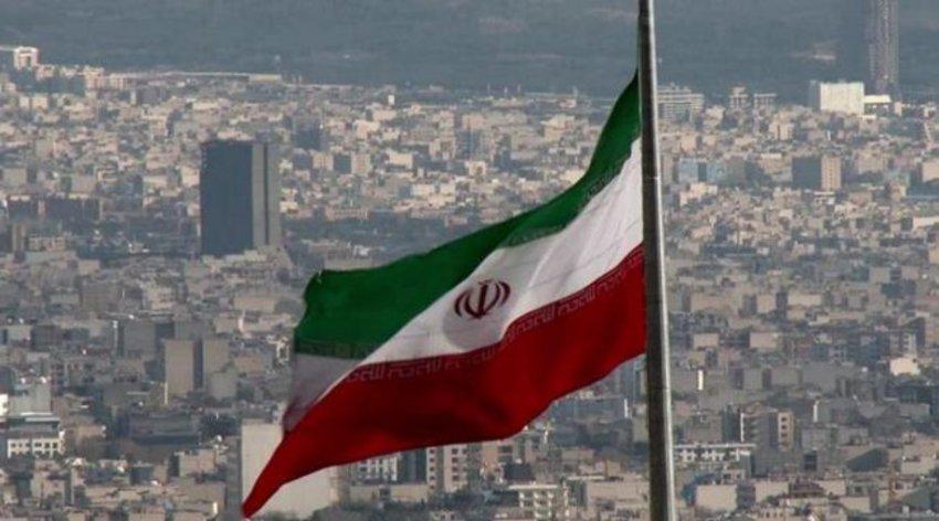 Η Τεχεράνη αρνείται κάθε ευθύνη για τις επιθέσεις σε δύο δεξαμενόπλοια στον Κόλπο του Ομάν που της αποδίδουν οι ΗΠΑ