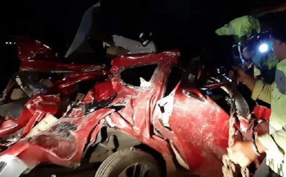 Καραμπόλα σοκ στην Ινδονησία: Λεωφορείο σκόρπισε τον θάνατο όταν επιβάτης προσπάθησε να πάρει το τιμόνι από τον οδηγό