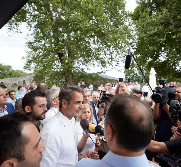 «Ισχυρή εντολή» ζήτησε ο Μητσοτάκης από τους πολίτες της Άρτας