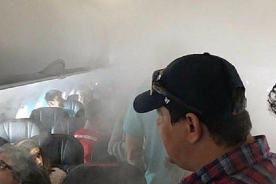 Στιγμές τρόμου για επιβάτες σε πτήση - Το αεροπλάνο γέμισε ομίχλη