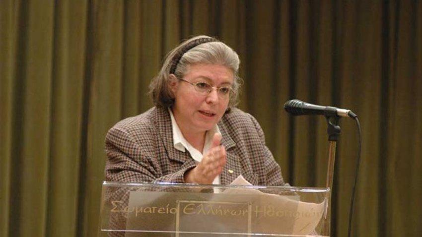 Ποια είναι η νέα υπουργός Πολιτισμού Λίνα Μενδώνη