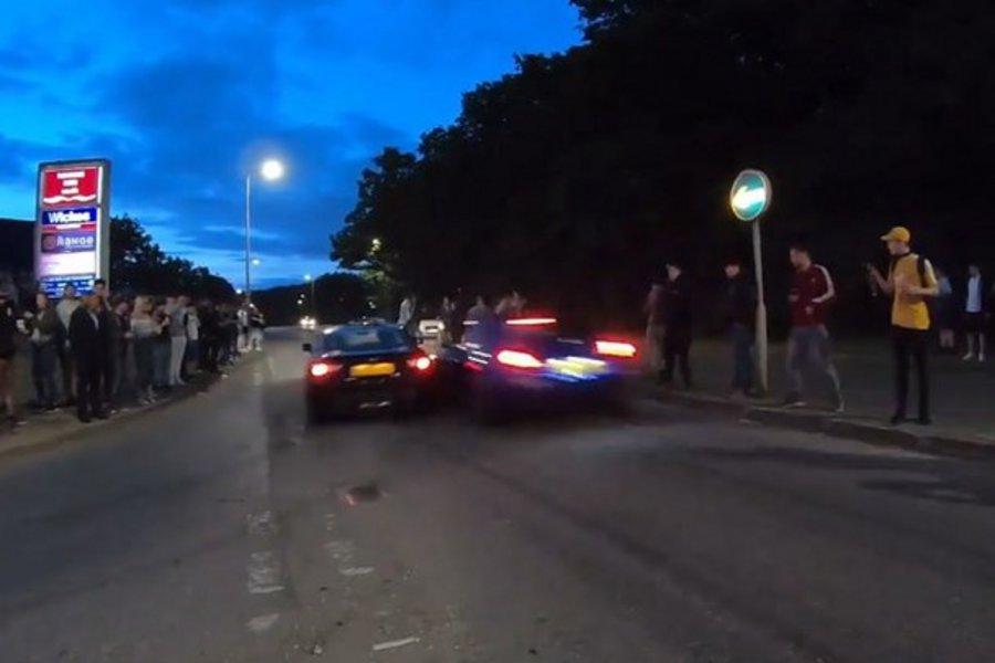 Βίντεο - σοκ: Έκαναν κόντρες και έπεσαν πάνω στους θεατές - Τουλάχιστον 16 τραυματίες