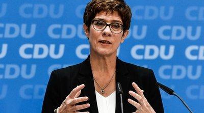 Kραμπ-Kαρενμπάουερ: Θα παραμείνει η Μέρκελ καγκελάριος κατά τη διάρκεια αυτής της κοινοβουλευτικής περιόδου