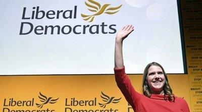 Βρετανία: Η «ορκισμένη ενάντια στο Brexit» Τζο Σουίνσον εξελέγη πρώτη γυναίκα αρχηγός των Φιλελεύθερων