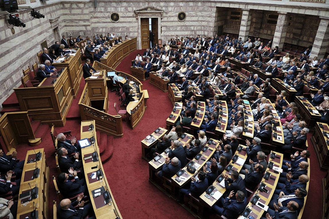 Ψηφίστηκε ο εκλογικός νόμος για την ενισχυμένη αναλογική με 163 «ναι» και 121 «όχι»