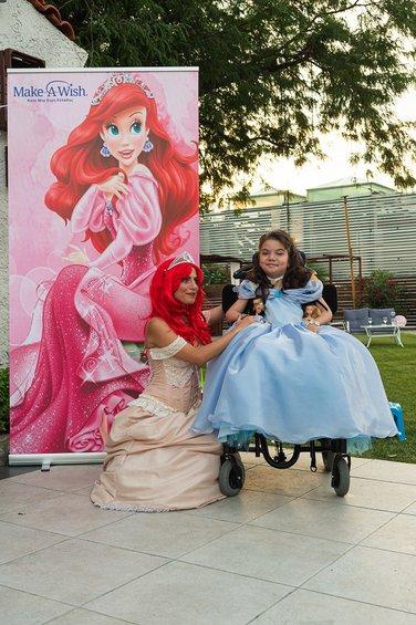 Η Μαρία με την πριγκίπισσα Άριελ