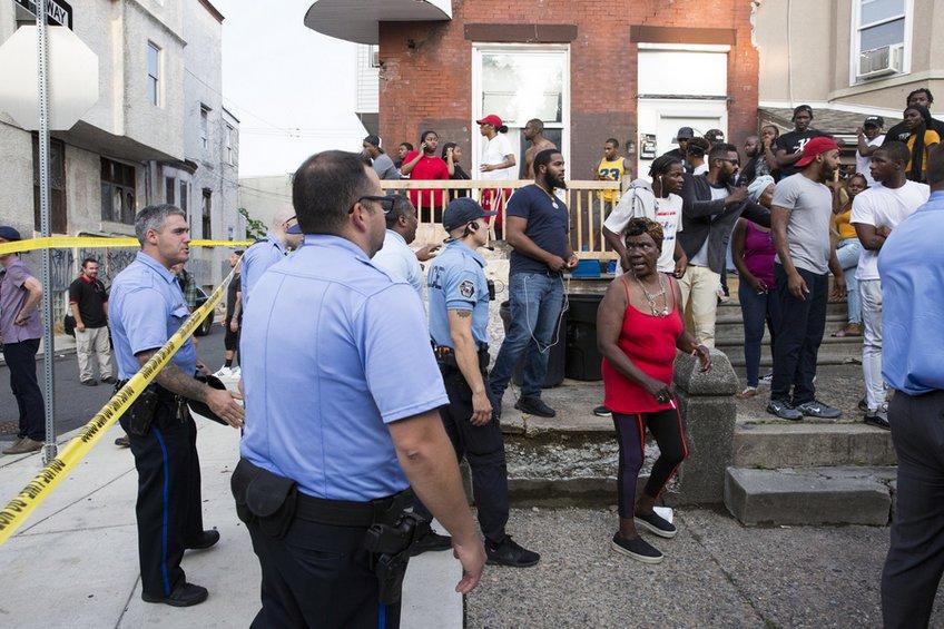 Ενοπλος τραυμάτισε 6 αστυνομικούς οχυρωμένος σε σπίτι στη Φιλαδέλφεια - Συνελήφθη ο δράστης