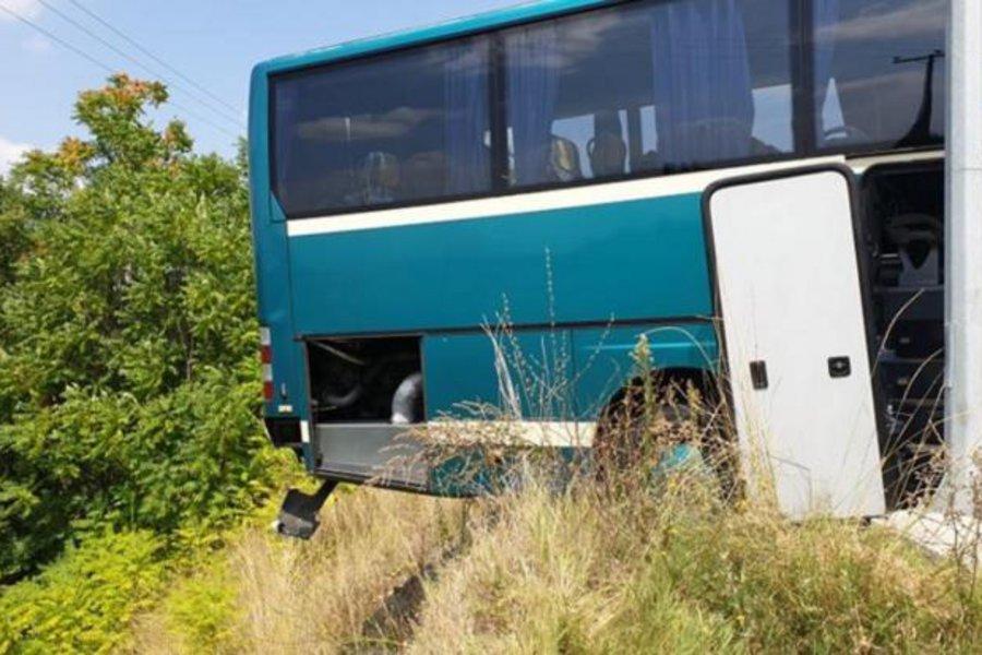 Αγιο είχαν επιβάτες του ΚΤΕΛ Κέρκυρας – Το  λεωφορείο βρέθηκε στο χείλος του γκρεμού