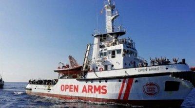 Είκοσι επτά ασυνόδευτοι ανήλικοι από το σκάφος της Open Arms επετράπη να αποβιβασθούν στην Λαμπεντούζα