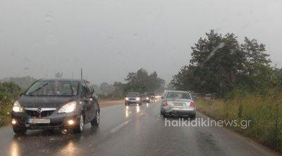 Μπουρίνι στη Σιθωνία:  Προβλήματα στην κυκλοφορία των οχημάτων