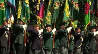 Πλήθος παλαίμαχοι και πολίτες τίμησαν την 50η επέτειο από τη βρετανική επέμβαση στη Βόρειο Ιρλανδία