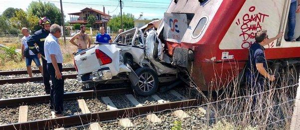 Τραγωδία στα Διαβατά – Μία έγκυος νεκρή μετά από σύγκρουση τρένου με ΙΧ