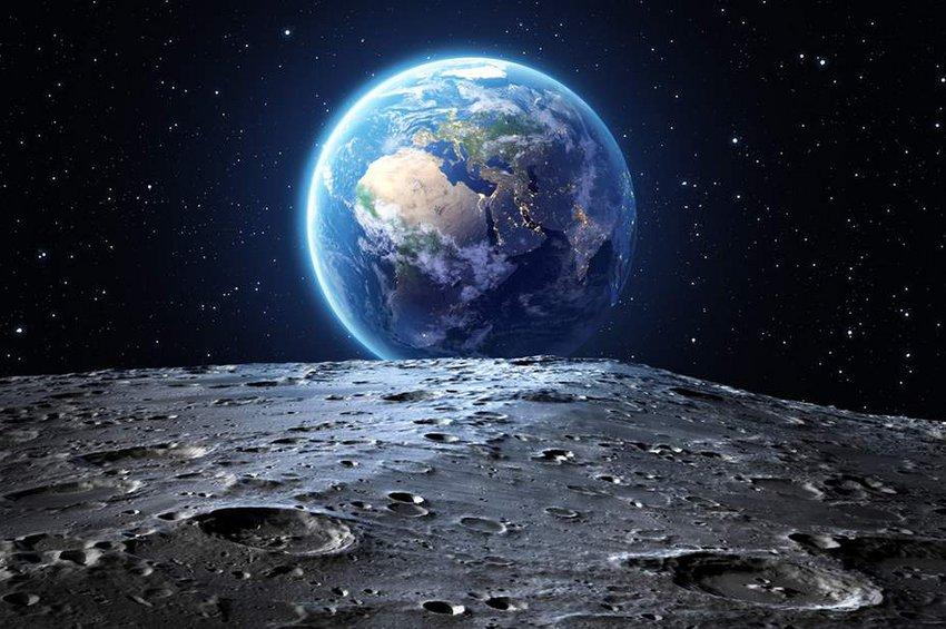 Ινδικός πύραυλος κατάφερε να τεθεί σε τροχιά γύρω από τη Σελήνη
