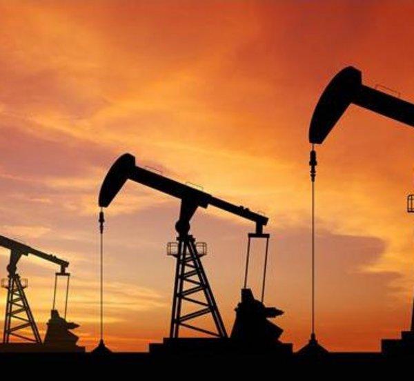 Σ. Αραβία: Απορρίπτει τις κατηγορίες της Μόσχας ότι αποχώρησε από τη συμφωνία για τη μείωση παραγωγής πετρελαίου