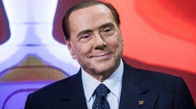 Ιταλία: Ο Μπερλουσκόνι στηρίζει Κόντε, αρκεί να αποχωρήσουν τα Πέντε Αστέρια