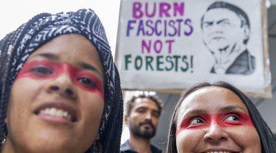 Διαδηλωτές στους δρόμους ευρωπαϊκών πόλεων για τη διάσωση «του πνεύμονα του πλανήτη που καίγεται»
