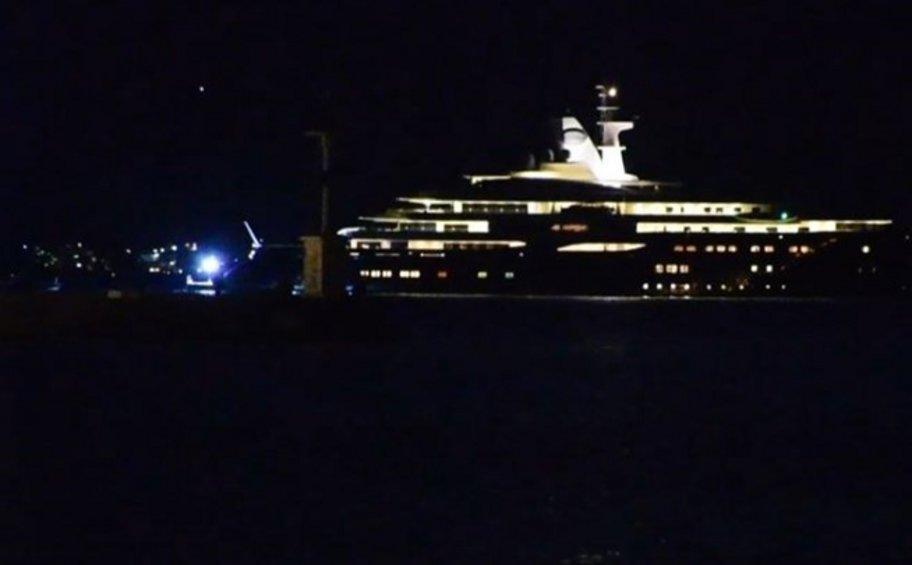 Η πανάκριβη θαλαμηγός του Εμίρη του Κατάρ στο Ναύπλιο