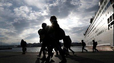 Στον Πειραιά 347 πρόσφυγες και μετανάστες από Μυτιλήνη και Χίο