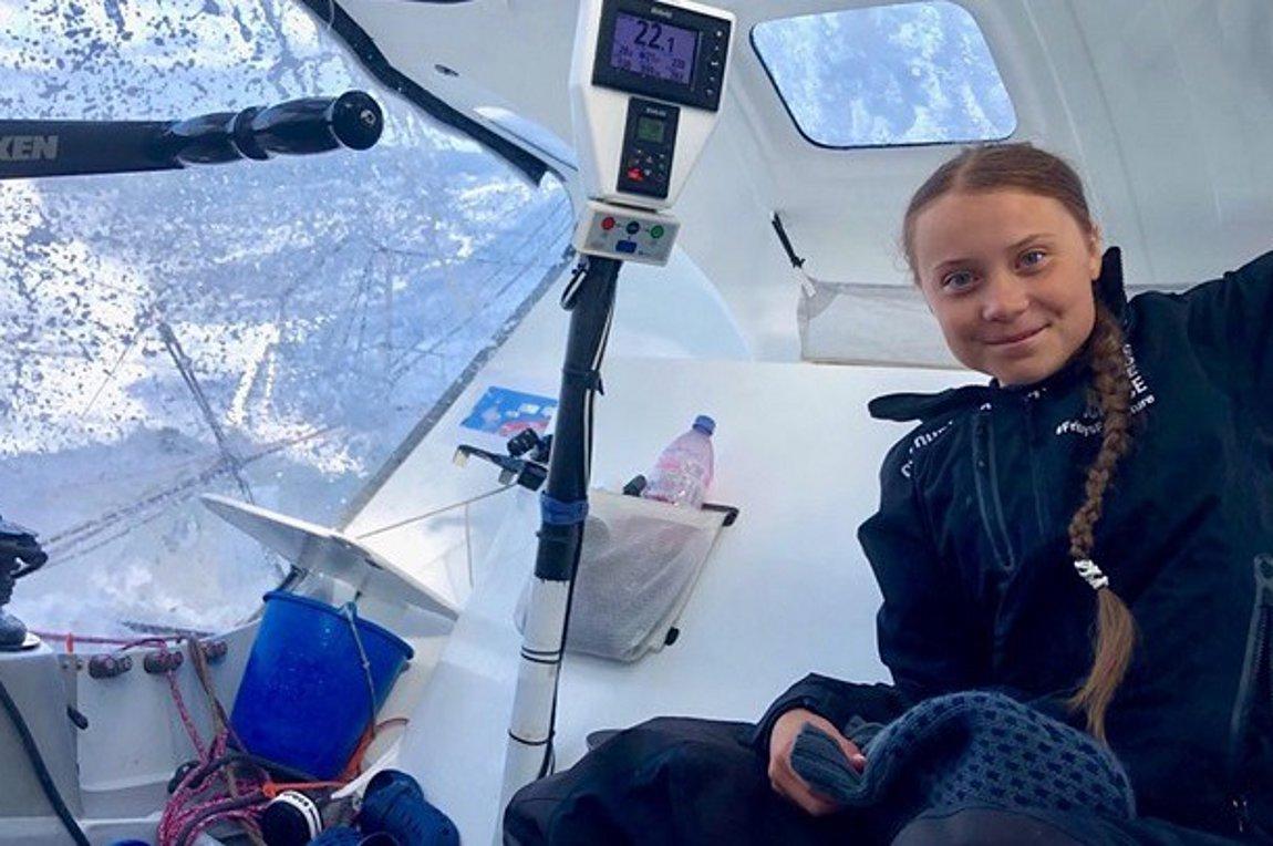 Η 16χρονη ακτιβίστρια Γκρέτα Τούνμπεργκ έφτασε με το ιστιοφόρο μηδενικών εκπομπών άνθρακα στη Νέα Υόρκη