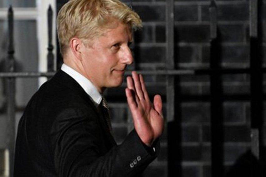 Νέο ράπισμα για τον Μπόρις Τζόνσον - Παραιτήθηκε από υπουργός και ο αδελφός του