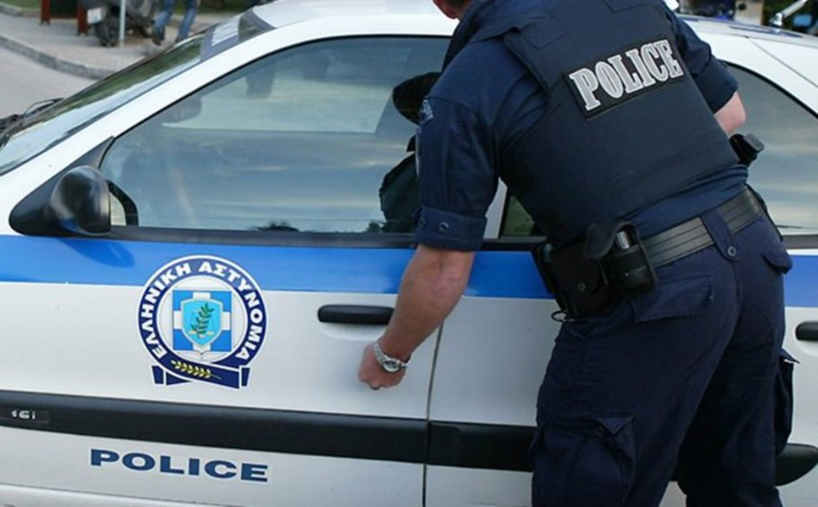Συνελήφθησαν τρία μέλη κυκλώματος διακίνησης ναρκωτικών και κατασχέθηκαν 26 κιλά κάνναβης