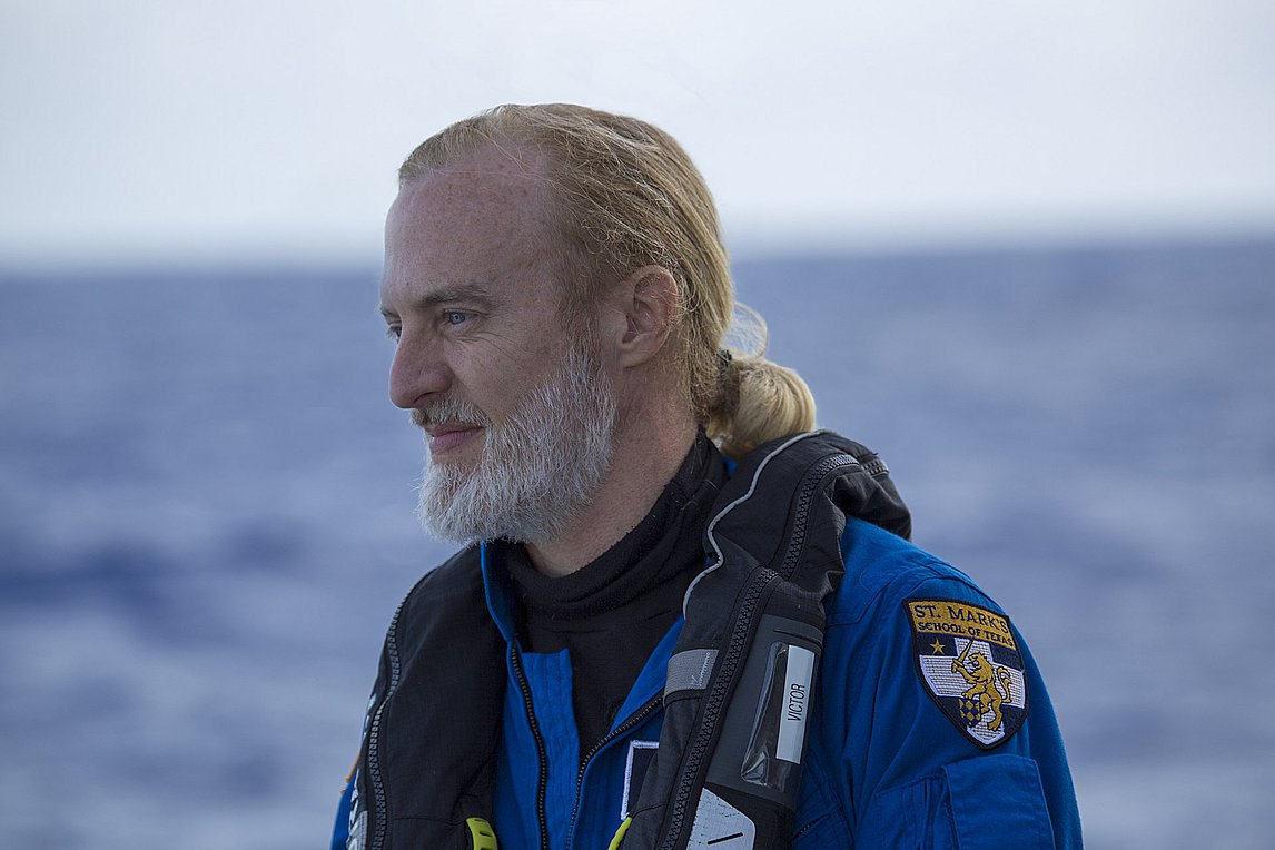 Βίκτορ Βέσκοβο: Ο άνθρωπος που επισκέφθηκε τα βαθύτερα σημεία και των πέντε ωκεανών της Γης
