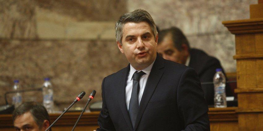 Κωνσταντινόπουλος: Ο ΣΥΡΙΖΑ και ο κ. Χαρίτσης πρέπει να απολογηθούν» για μετακλητούς υπαλλήλους