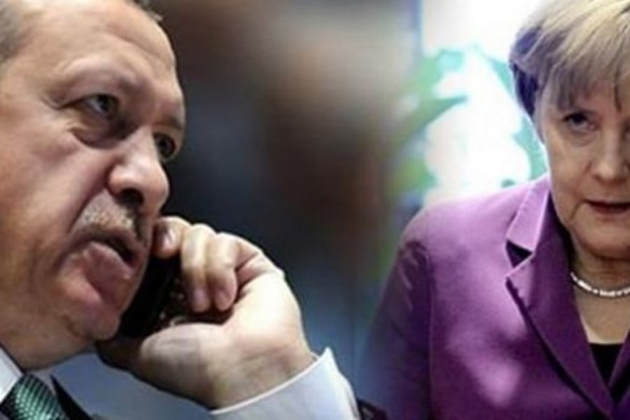 Τηλεφωνική συνομιλία Μέρκελ-Ερντογάν με κεντρικό θέμα το προσφυγικό