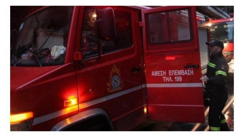 Επίθεση με γκαζάκια στα γραφεία της ΝΔ στην Πεύκη