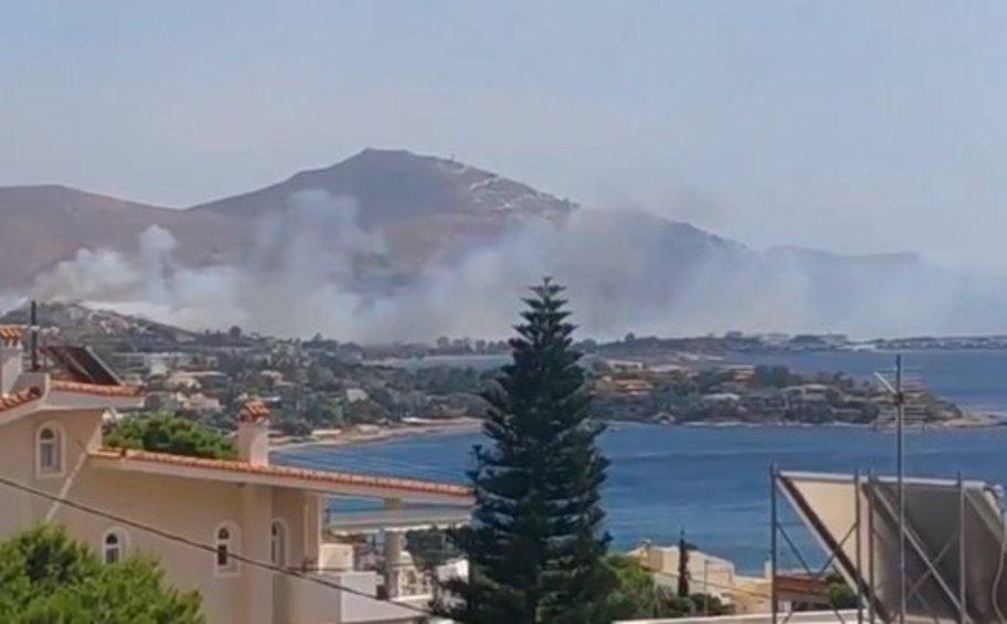 Πυρκαγιά κοντά σε σπίτια στο Λαγονήσι – Δόθηκε εντολή εκκένωσης και μήνυμα από το 112