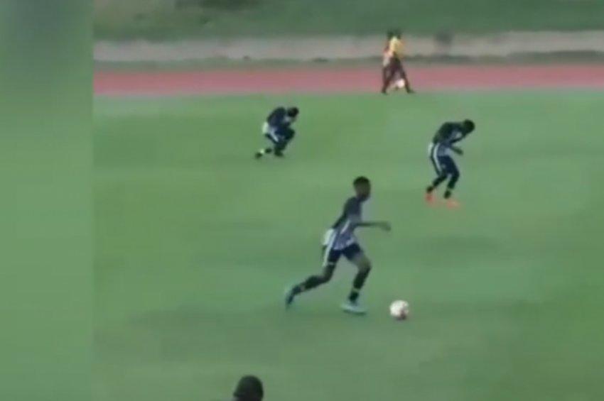 Τρομακτικό βίντεο: Η στιγμή που ποδοσφαιριστές κεραυνοβολούνται κατά τη διάρκεια αγώνα