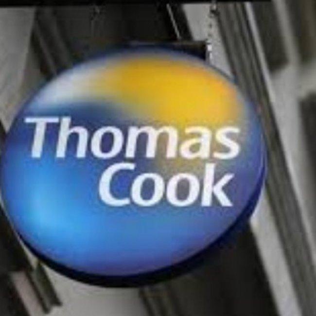 Στα πρόθυρα κατάρρευσης η Thomas Cook: Στον αέρα 22.000 εργαζόμενοι και οι διακοπές 600.000 πελατών της