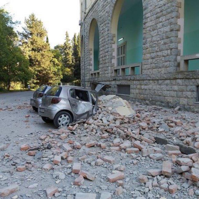 Πανικός από το διπλό χτύπημα του Εγκέλαδου στην Αλβανία: Πάνω από 100 τραυματίες - Ζημιές σε κτίρια