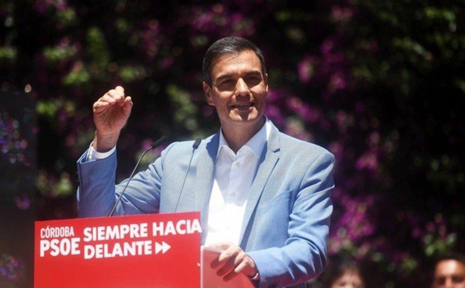 Ισπανία: Άνοδο των Σοσιαλιστών του Σάντσεθ, χωρίς πλειοψηφία, δείχνουν δημοσκοπήσεις
