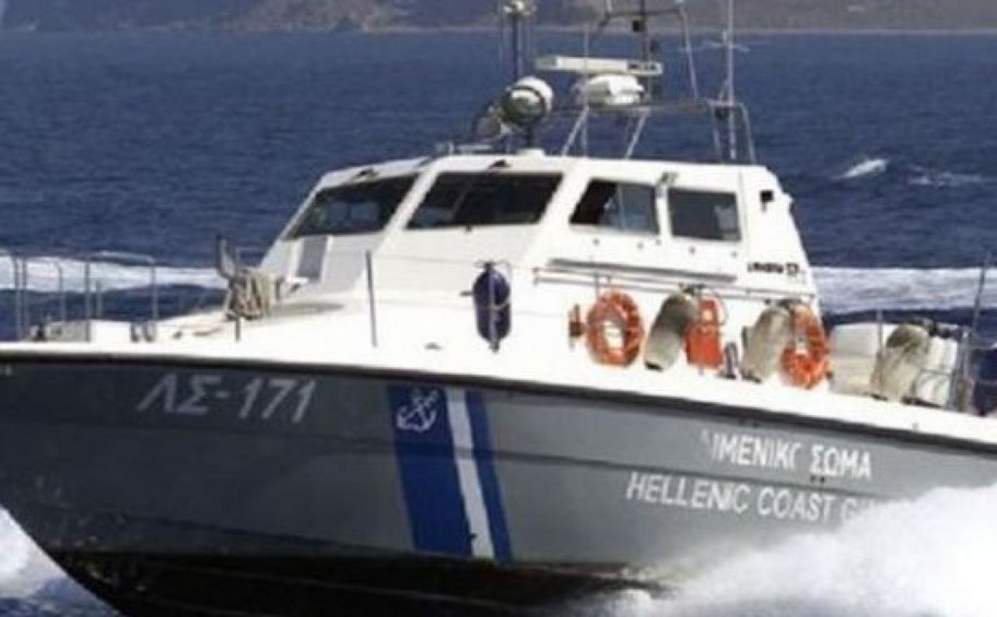 Eρευνες για εντοπισμό λέμβου με μετανάστες στα ανοικτά των Οθωνών - Eξέπεμψε SOS χθες το βράδυ