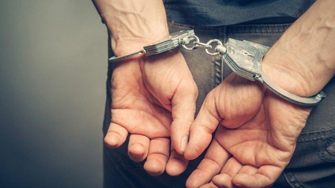 Σύλληψη 44χρονου καθηγητή ο οποίος φέρεται να είχε σχέσεις με 15χρονη μαθήτριά του