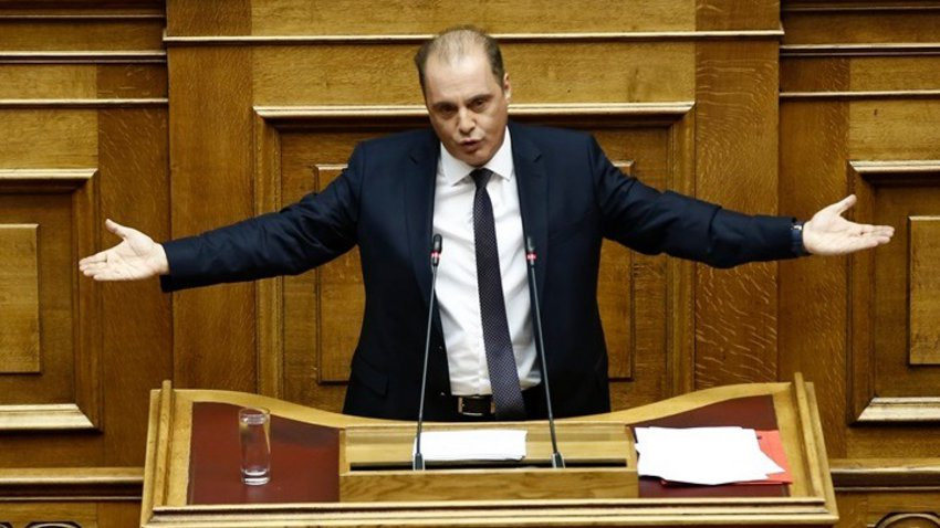Αποχώρησε και η Ελληνική Λύση από την Ολομέλεια